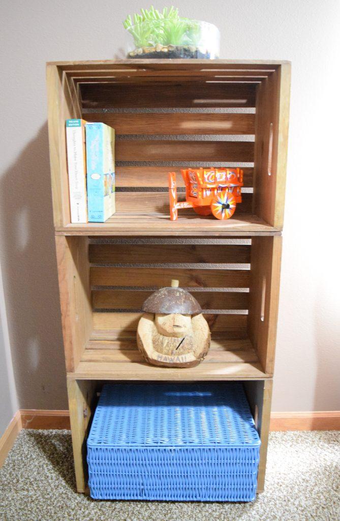 Simple DIY Project Crate Shelf