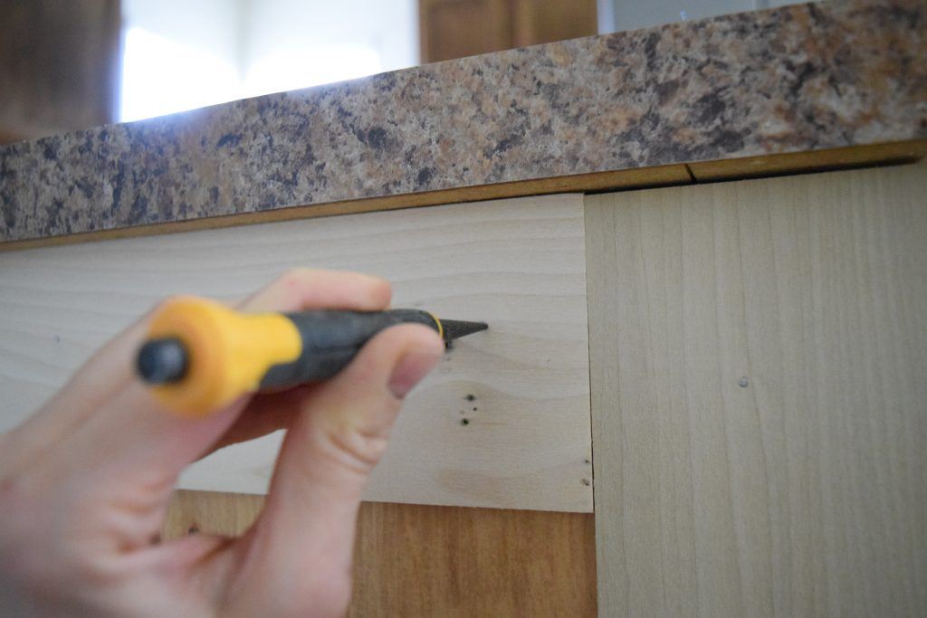 Add Moulding to a Builder Grade Kitchen Island