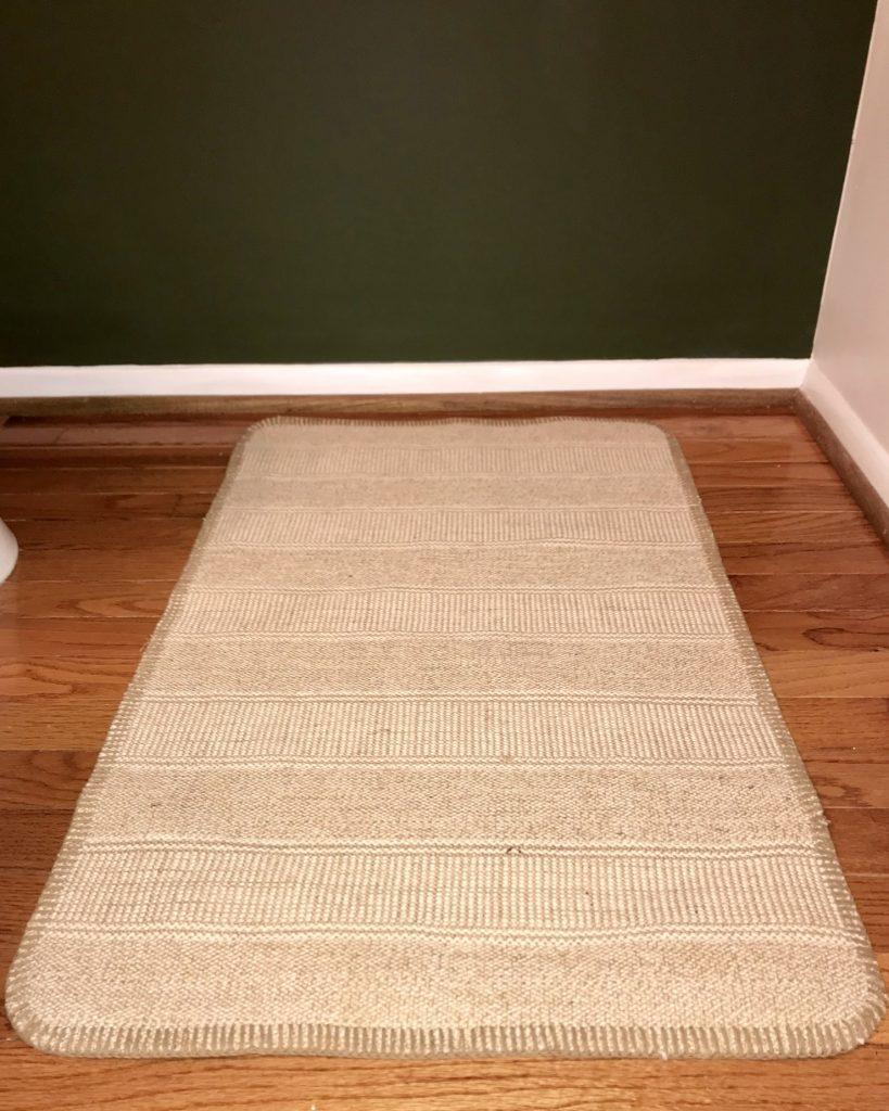 Jute rug for a boho bathroom