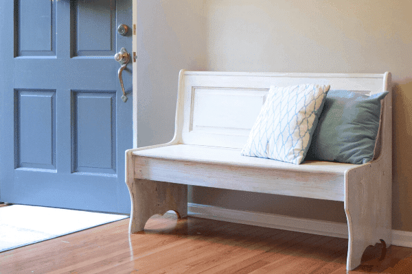 Decorating-an-Entryway-Bench