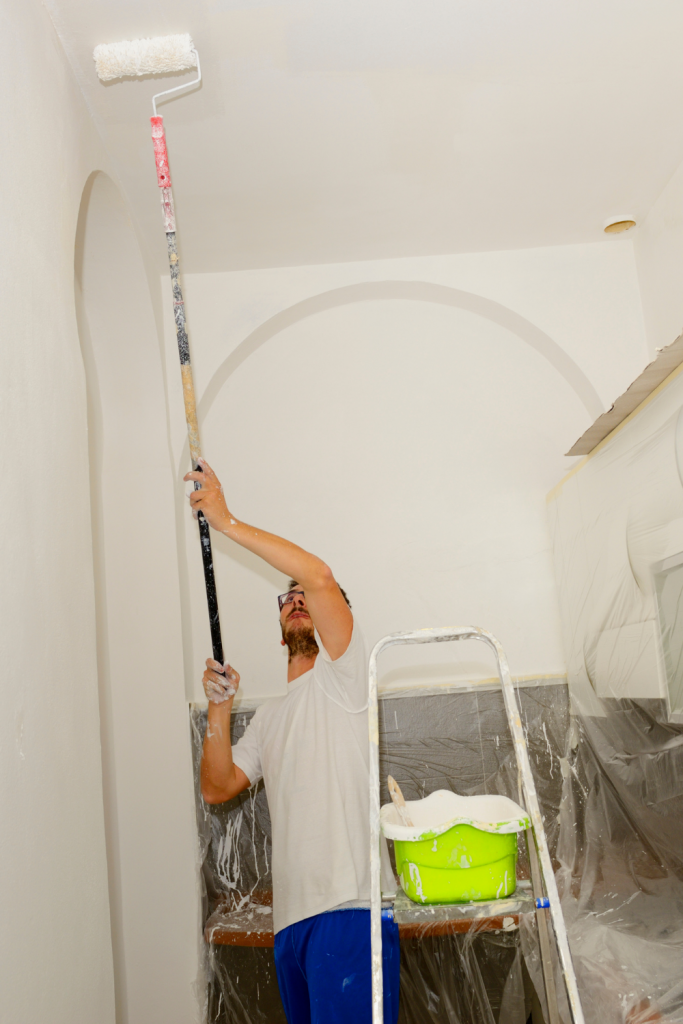 Sherwin Williams Ceiling Paint - Man Painting Ceiling