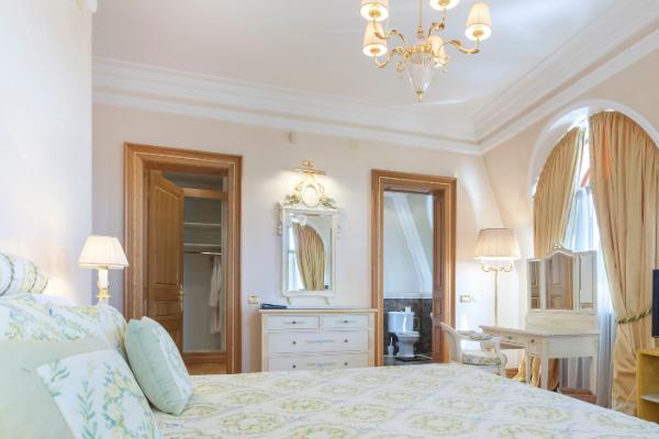 Cream paint colors - bedroom